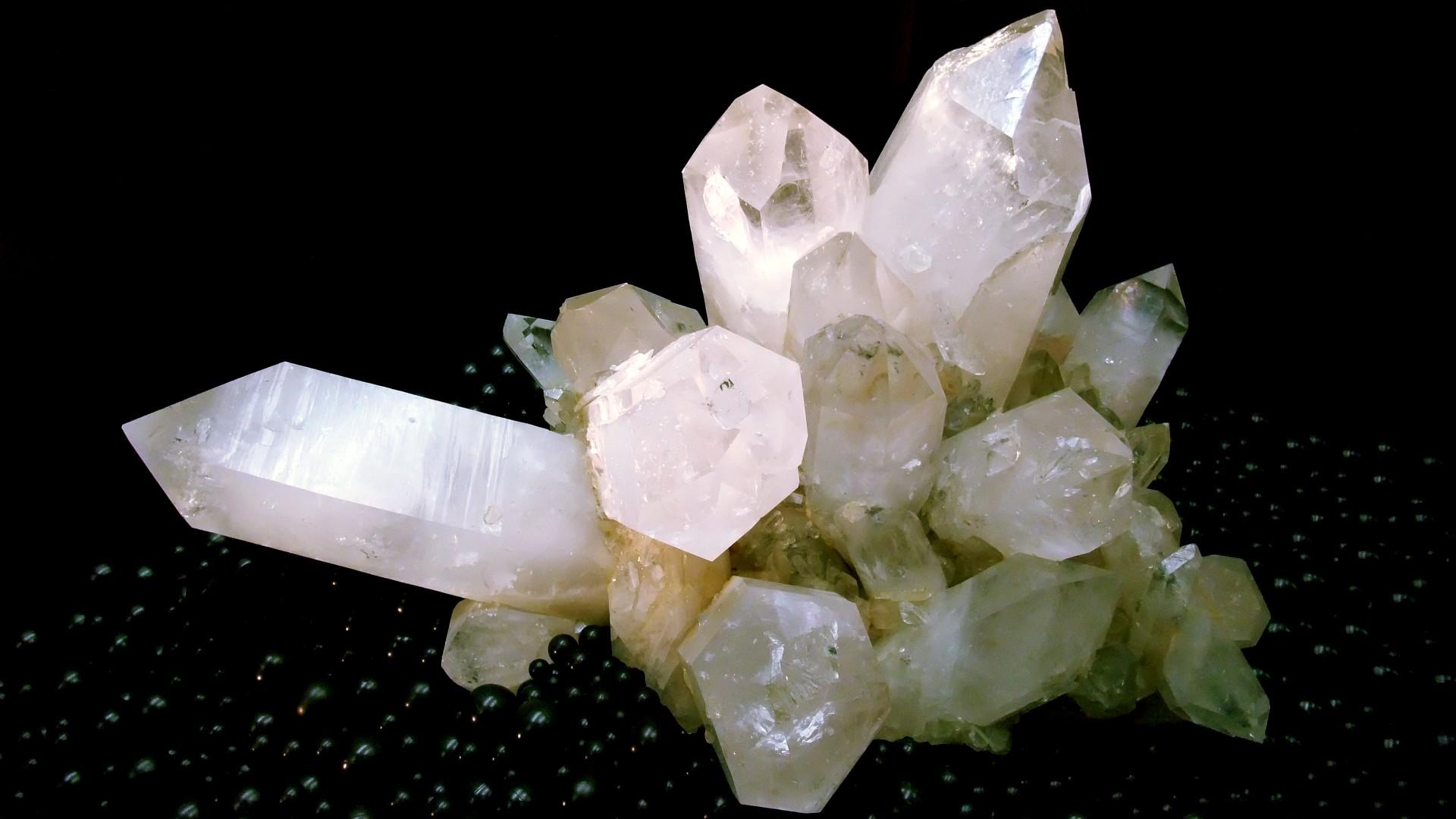 White Giant Crystal