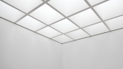 pinakothek-tiled-white-ceiling