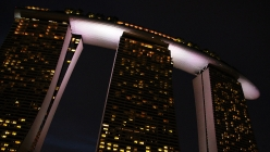 marina-bay-sands-ship